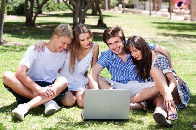 Bonitas Frases De Amistad Para Compartir En Facebook