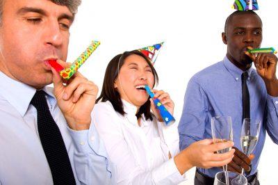 onomástico, celebración de cumpleaños para los trabajadores, que ofrecerle a los trabajadores por su cumpleaños