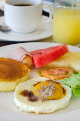 Que tomar de desayuno si quieres perder peso,cual debe ser tu rutina para el desayuno si quieres perder peso,la alimentaciòn adecuada en el desayuno para estar en forma,rutina a seguir para una correcta alimentaciòn en el desayuno